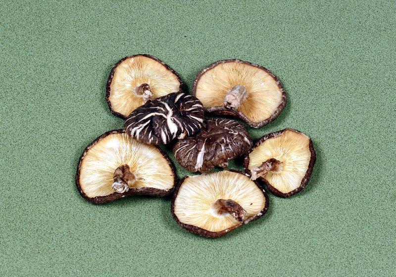 日本産原木乾椎茸 香信大葉