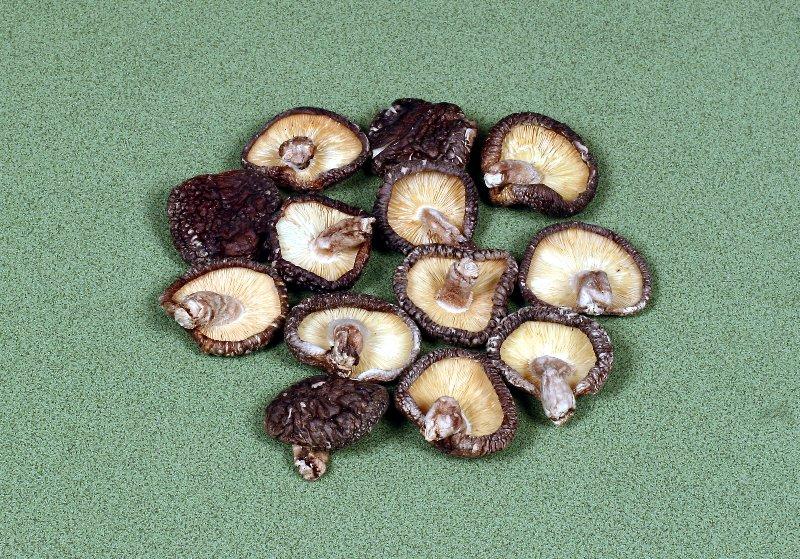 日本産原木乾椎茸 香信中小葉