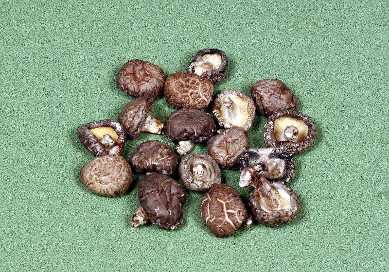 日本産原木乾椎茸 中粒冬菇(並)